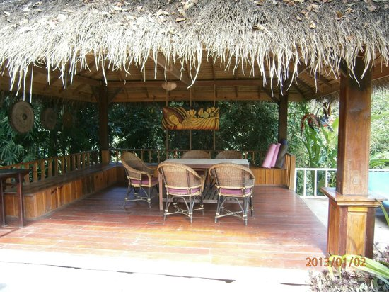 Zen Namkhan Boutique Resort:                   seating area near pool