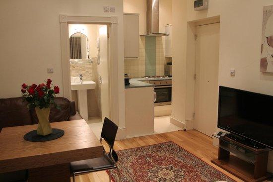 Oxbridge Apartments: Studio Apartment