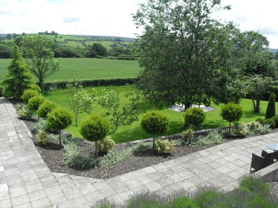 The Plough Inn: View of garden
