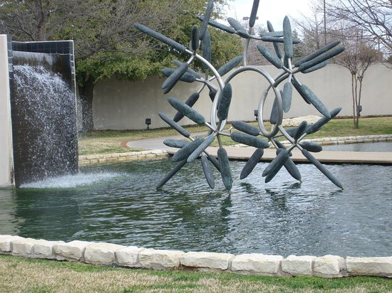 Irving Arts Center:                   Flower Star of bronze and steel