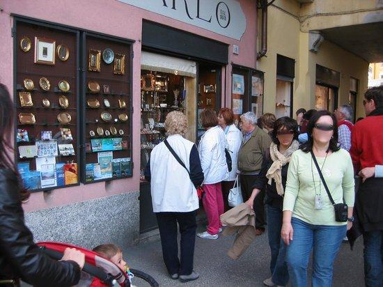 Bellagioseta:                   Shopping in centro