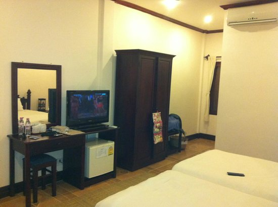 Villa Meuang Lao:                   Room, cable tv