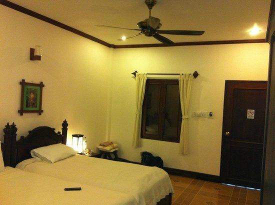 Villa Meuang Lao:                   Room, nice dark shutters                 