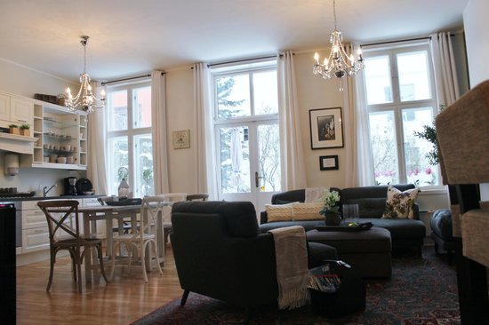 Ellingsens Pensjonat: Feel like at home while staying with us.