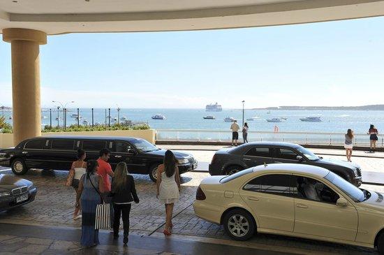 Conrad Punta del Este Resort & Casino: Entrance