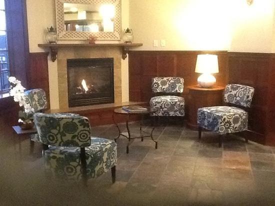 Shearwater Inn:                   Lobby