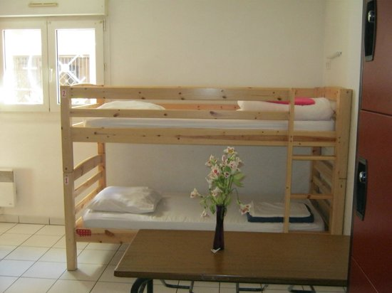 La Petite Auberge  de Saint-Sernin: Dortoir 4 lits