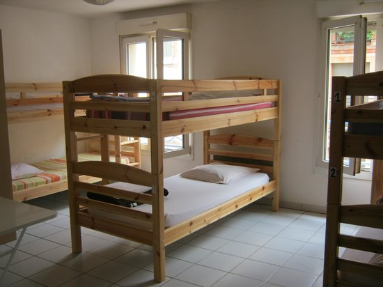 La Petite Auberge  de Saint-Sernin: Dortoir 6 lits