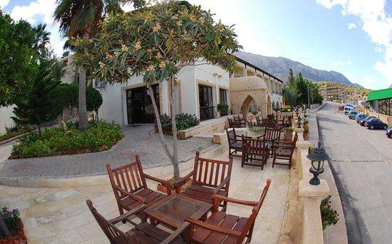 Bellapais Monastery Village: garden
