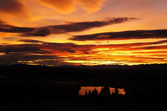 Tekapo Top House:                   The sunset saw in room