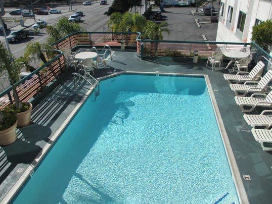 BEST WESTERN PLUS Suites Hotel:                   Pool on second floor