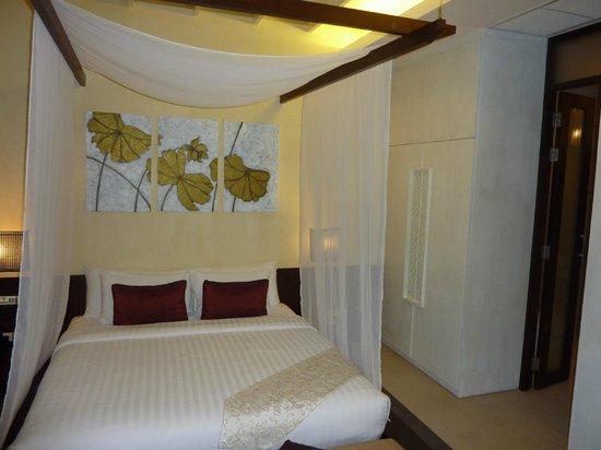 โรงแรมเดอ ชาย เดอะโคโลเนียล:                   Room with lower bed