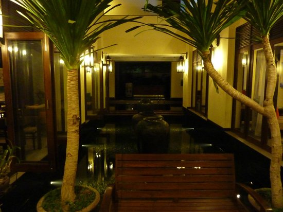 โรงแรมเดอ ชาย เดอะโคโลเนียล:                   Lobby