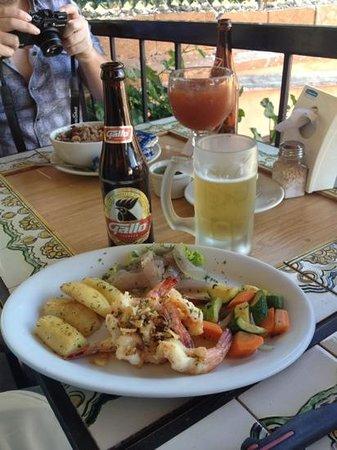 Hugo's Ceviches:                   yummy shrimps
