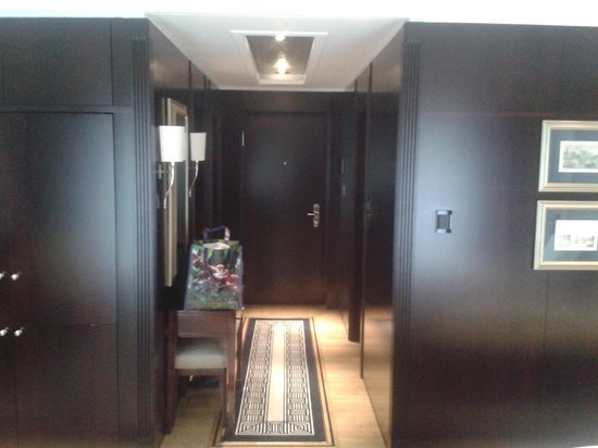 Hotel Adlon Kempinski:                   Gang
