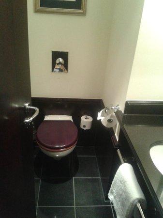 โรงแรมแอดลอน เคมปินสกี:                   Klo