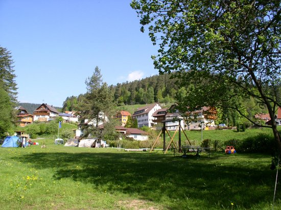 Camping Muellerwiese : Car-free tentsite and view of our Black Forest village