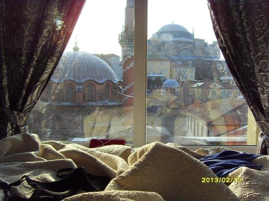 Modern Sultan Hotel:                   Вид из номера №402 на Собор Софии
