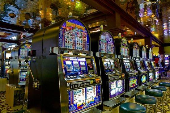 Casino at the Hyatt Regency Aruba: $1 slot machines