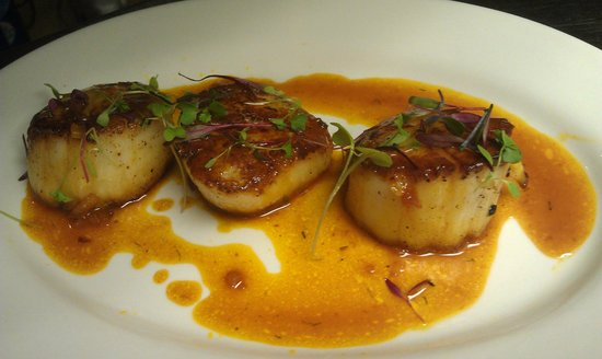 Dally in the Alley Bistro: Seared Sea Scallops