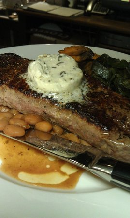 Dally in the Alley Bistro: Strip Steak with Gorgonzola butter