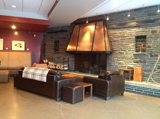 The Juniper Bistro :                   Fireplace and couches