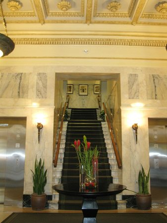 Hotel Teatro:                   entry