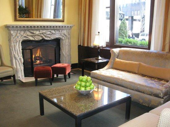 Hotel Teatro:                   Lobby/lounge