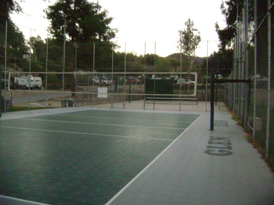 Glen Eden Nudist Resort:                   Outdoor vollyball, basketball, & handball court (next to horseshoe pit)