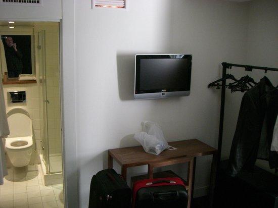 9HOTEL OPERA :                   Zimmer - Stylisch und neu