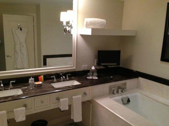 Mandarin Oriental, Atlanta:                   Bath