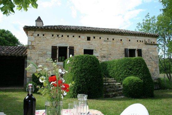 Les Gîtes du Mas d'Aspech : façade du gite de la chevalière (Sud France Midi-Pyrénées Lot Quercy)