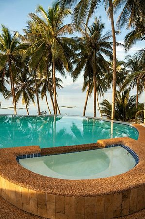 Anda White Beach Resort:                   Pool