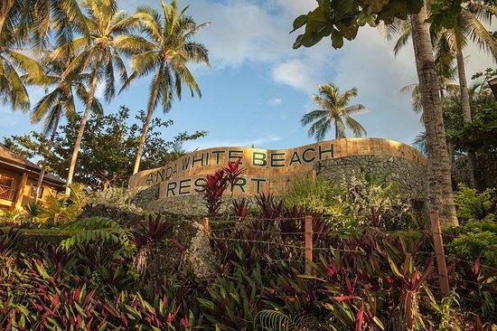 Anda White Beach Resort:                   View from the beach towards the hotel