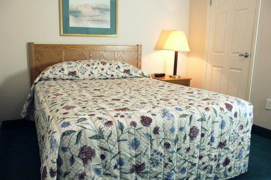Affordable Suites Myrtle Beach: Queen Suite