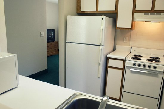 Affordable Suites Myrtle Beach : Each Suite Features Kitchen with Full Size Refrigerator, Stove and Microwave