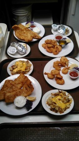 Ritz Restaurant: Our shrimp & cod dinners