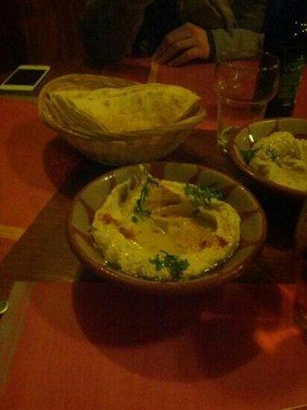 Beyrouth :                   Hummus - Mezza