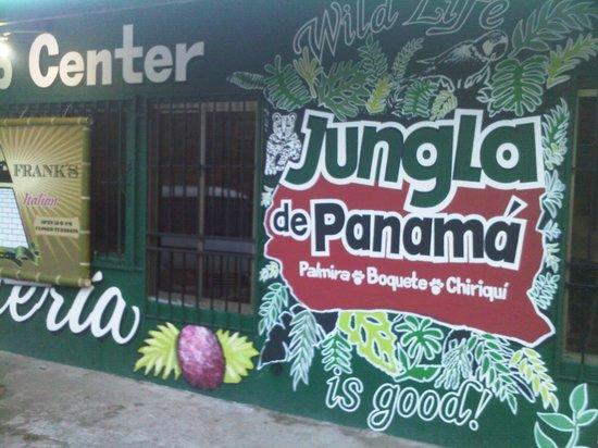 Restaurante Palmira:                   Entrada del Local