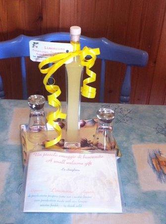 La Scogliera:                   limoncello
