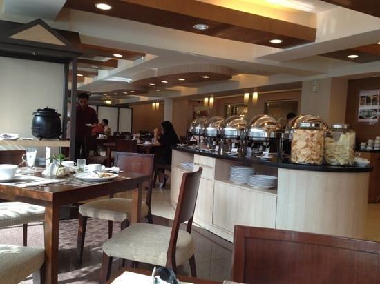 Anggrek Shopping Hotel:                   buffet breakfast