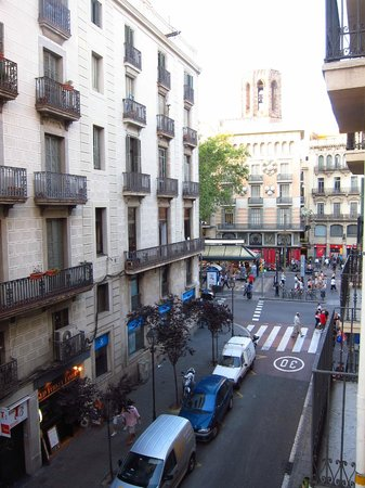Moderno Hotel Bcn:                   View from our room