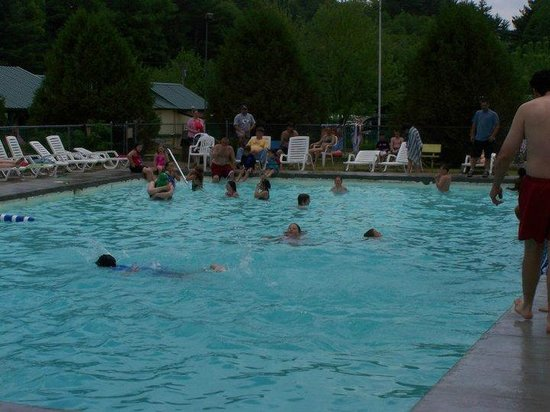 Yogi Bear's Jellystone Park - Ashland: Main Swimming Pool