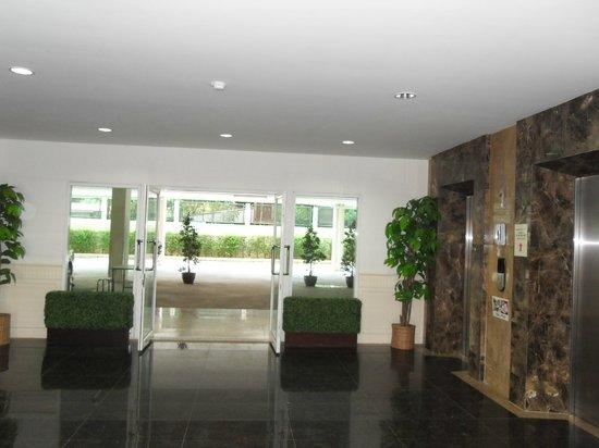 Baan Klang Hua Hin Condo & Resort:                   condo entrance.