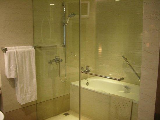 Hotel Royal-Nikko Taipei:                   バスルーム