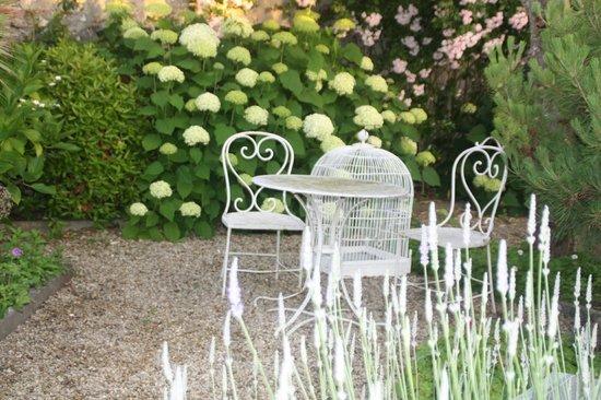 Attractive Logis Saint Leonard: Coin Repos Du Jardin