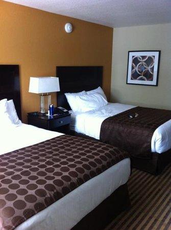 Ramada Venice Hotel Venezia:                                     bedroom 213
