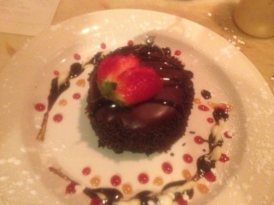 Amari Bar & Ristorante:                                     engagement dessert on valentines day