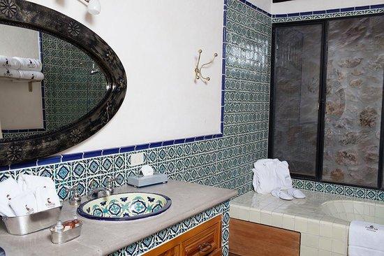Hotel Nena: Baño