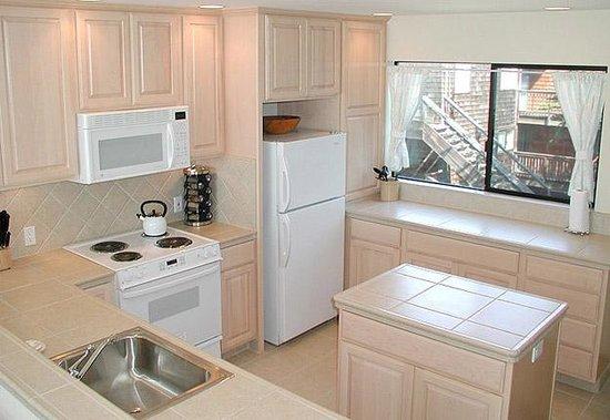 Pajaro Dunes Condominiums & Resort: Kitchen